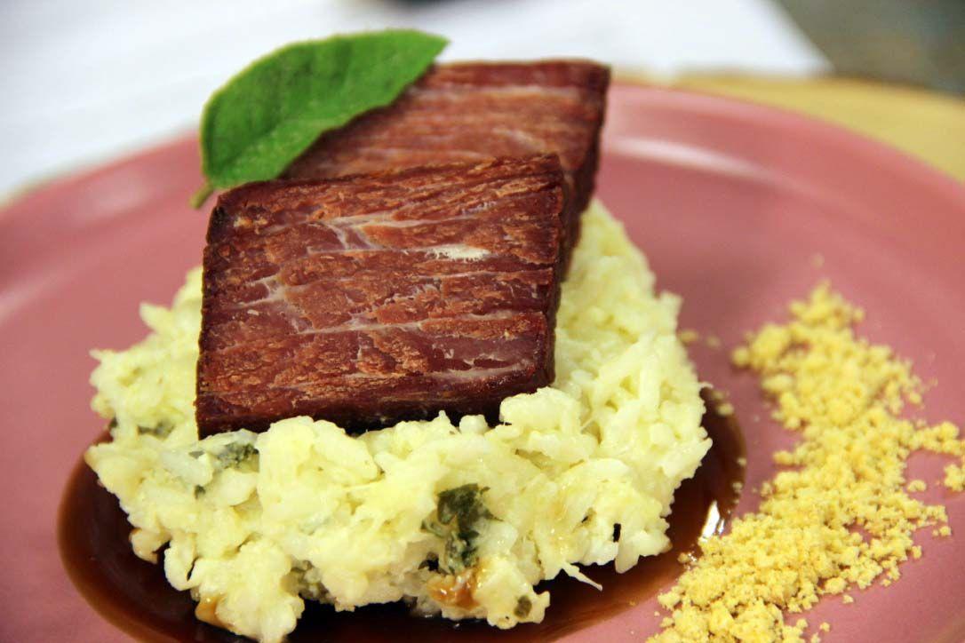 Carne Seca com Arroz Cremoso do Sertão e Farofa de Amendoim