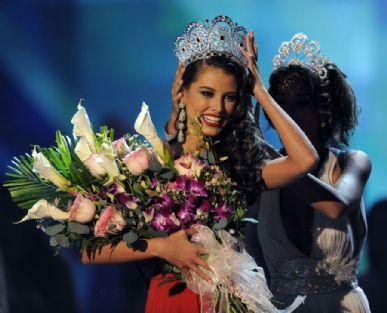 Stefania Fernandez foi eleita Miss Universo 2009