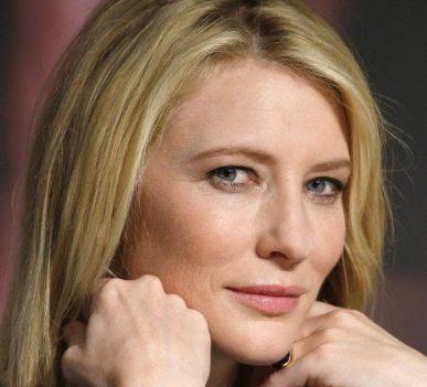 Cate Blanchett está cotada para papel ao lado de Robert Pattinson