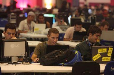 Campuseiros testam a conexão de 10 Gb em São Paulo