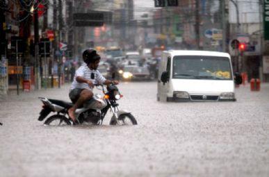 Vários bairros de São Caetano e de São Bernardo ficaram debaixo d´água