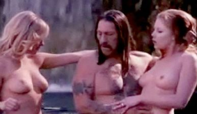 Lindsay Lohan (esq.) nua em cena de Machete