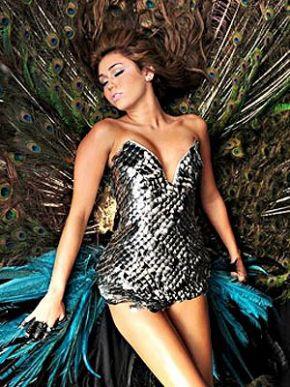 Miley em imagem nada inocente em novo clipe