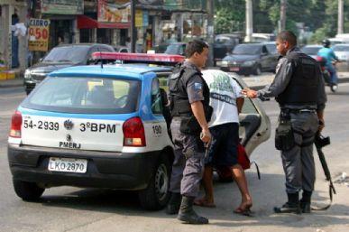 Policiais da Delegacia de Combate as Drogas (Dcod) e da Coordenadoria de Recursos Especiais (Core) realizaram uma operação na Favela do Jacarezinho