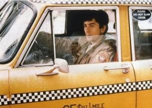 Robert de Niro interpreta um taxista no filme