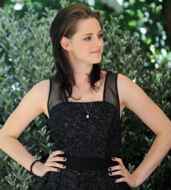 Kristen Stewart gostou da ideia de ser a substituta de Angelina Jolie em longa