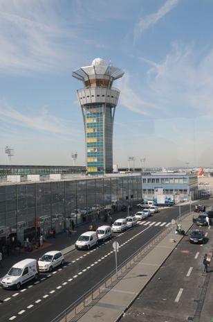 Cerca de 50% dos  voos do aeroporto parisiense de Orly  serão cancelados por conta da  greve de controladores aéreos na França