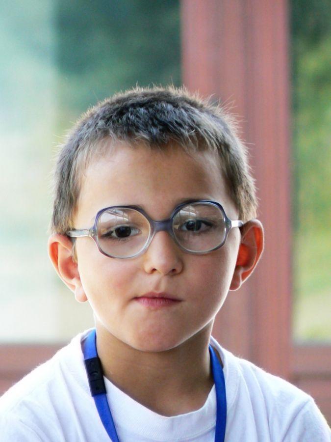 Crianças que não enxergam bem e nao são tratadas adequadamente podem ter  problemas no aprendizado (Foto  Foto  Stock.xchng ) 72a8a1bbe0