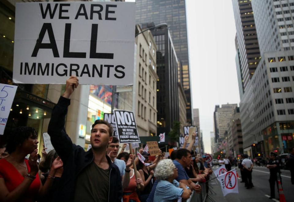 Terrorismo e protestos marcam a semana