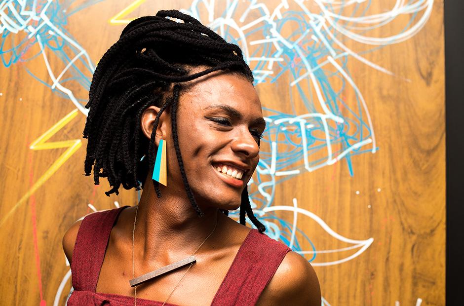 Conheça Liniker, a cantora empoderada que quebra tabus