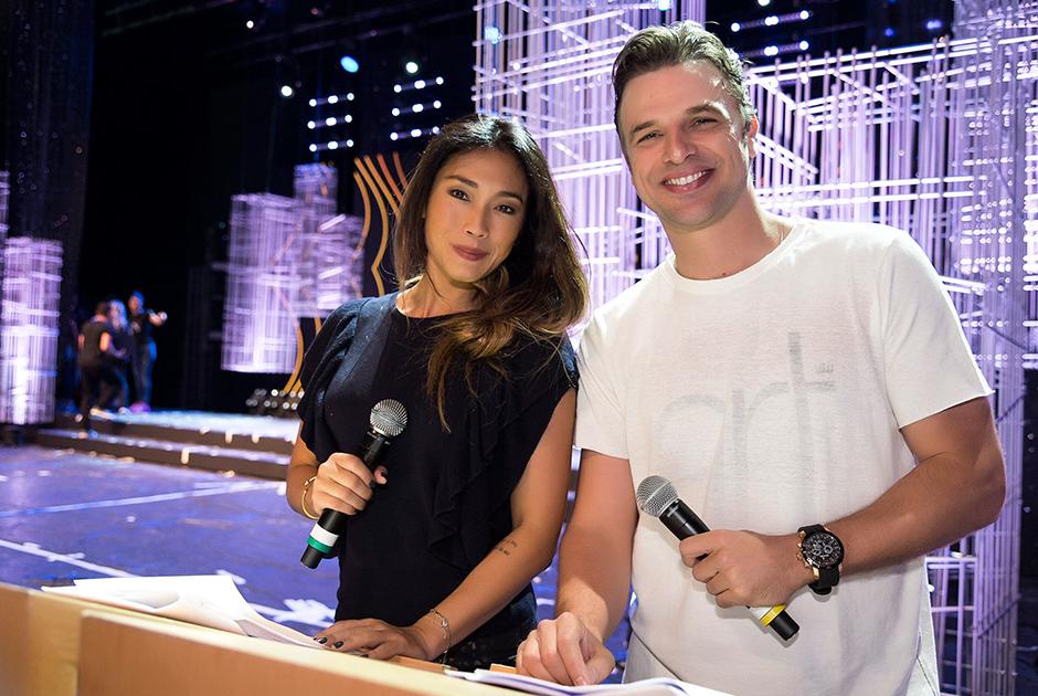 Miss Brasil: candidatas e apresentadores fazem ensaio no palco