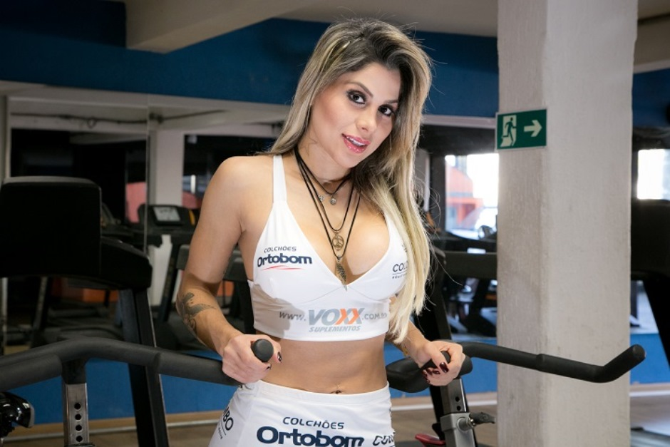 Vanessa Mesquita será ring girl do Jungle Fight