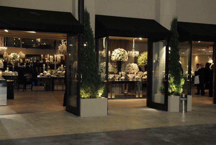 Os noivos capricharam na decoração <a href='http://www.band.com.br/entretenimento/famosos/noticia/?id=100000509266' target='blank'>Leia mais</a>