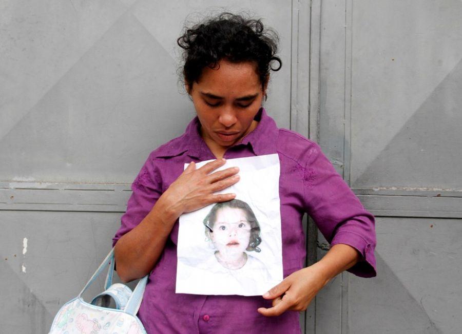 Brenda estava com a mãe e irmãos quando foi levada de um templo evangélico no dia 10  / Ale Vianna/Folhapress