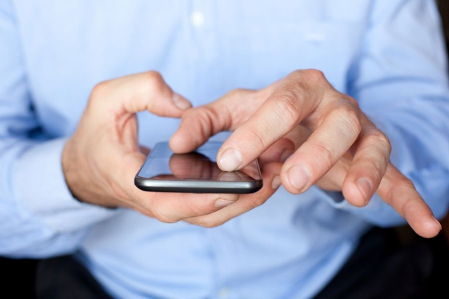 A tecnologia 3G seria ilimitada, segundo propaganda da marca / Peter Bernik /Shutterstock