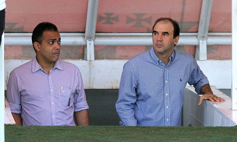 Ricardo Gomes fez visita ao elenco vascaíno na manhã desta sexta-feira / Divulgação/vasco.com.br