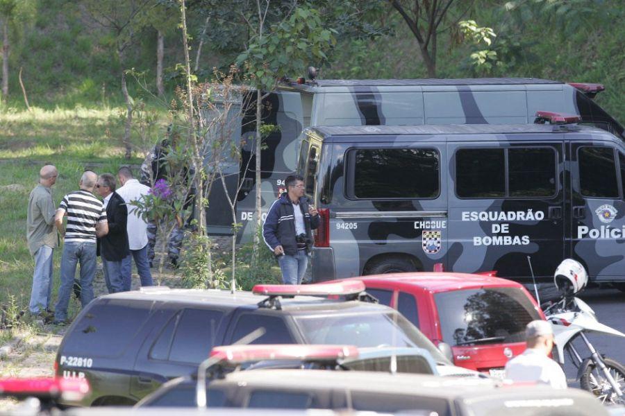 Gate foi chamado para retirar bomba amarrada em motorista / Mário Angelo/Sigmapress/Folhapress