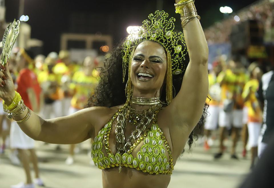 Celebridades agitam ensaios técnicos no Rio e São Paulo