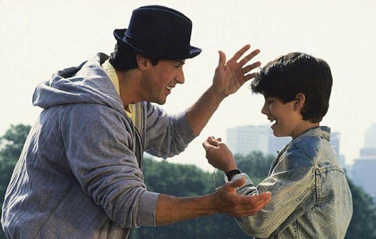 Sylvester Stallone e Sage em cena de