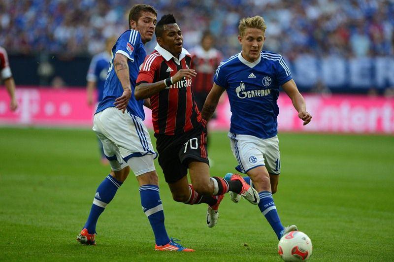 O Milan, de Robinho, derrotou o Schalke nesta terça-feira / PATRIK STOLLARZ/AFP