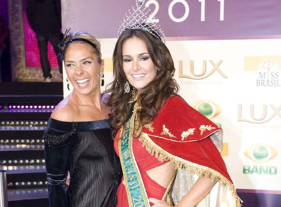 Adriane Galisteu com Priscila Machado, Miss Brasil 2011