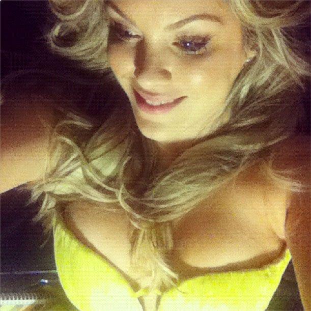 Renata Fan exibe seu decote / Reprodução/instagram