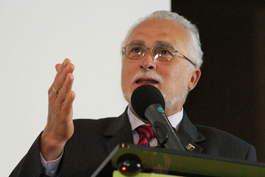Genoino era presidente do PT na época do mensalão / RICHARD CASAS 2012