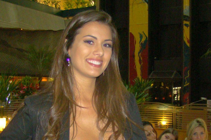 Rafaela Butareli se prepara para passar a faixa