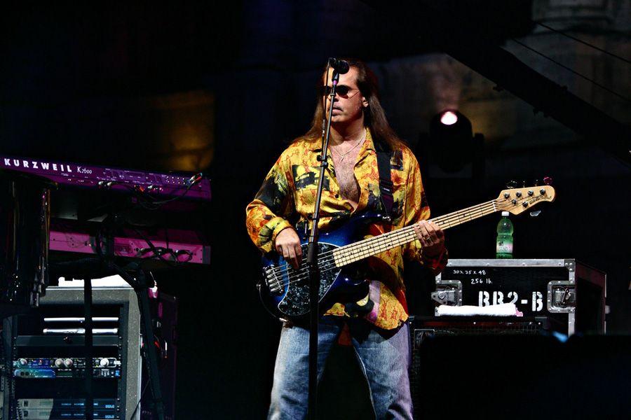 Baixista Wayne Birch tinha 56 anos / Shutterstock