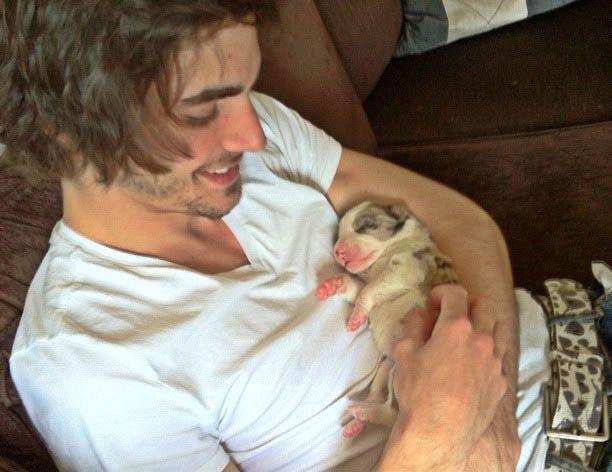 Fiuk mostra sua nova cadelinha / Divulgação/Twitter