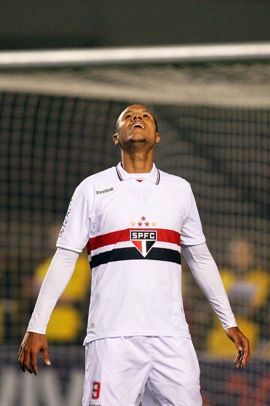 Luis Fabiano comemora gol na goleada do São Paulo contra o Botafogo / Wagner Carmo/VIPCOMM
