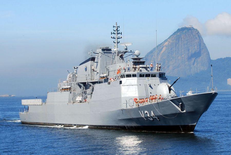 Corveta Barroso deve participar das operações militares no Atlântico Sul / Divulgação