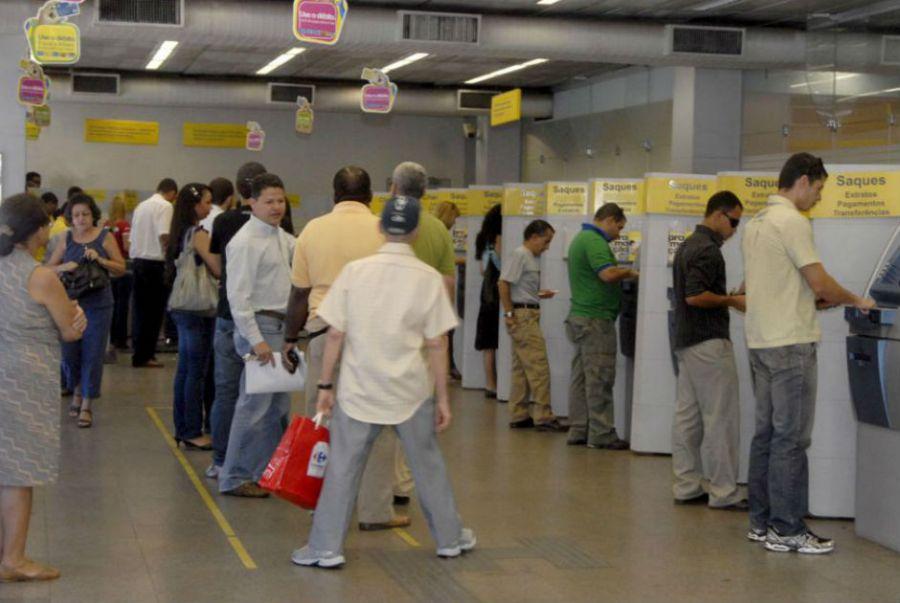 Mais da metade dos entrevistados reclamaram que se sentem prejudicados por sua instituição bancária / Roosewelt Pinheiro/ ABr/Arquivo