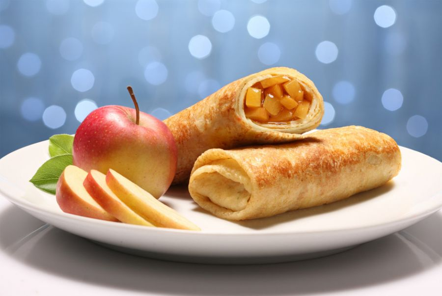 Deliciosa panqueca doce de maçã / R. Iegosyn/Shutterstock