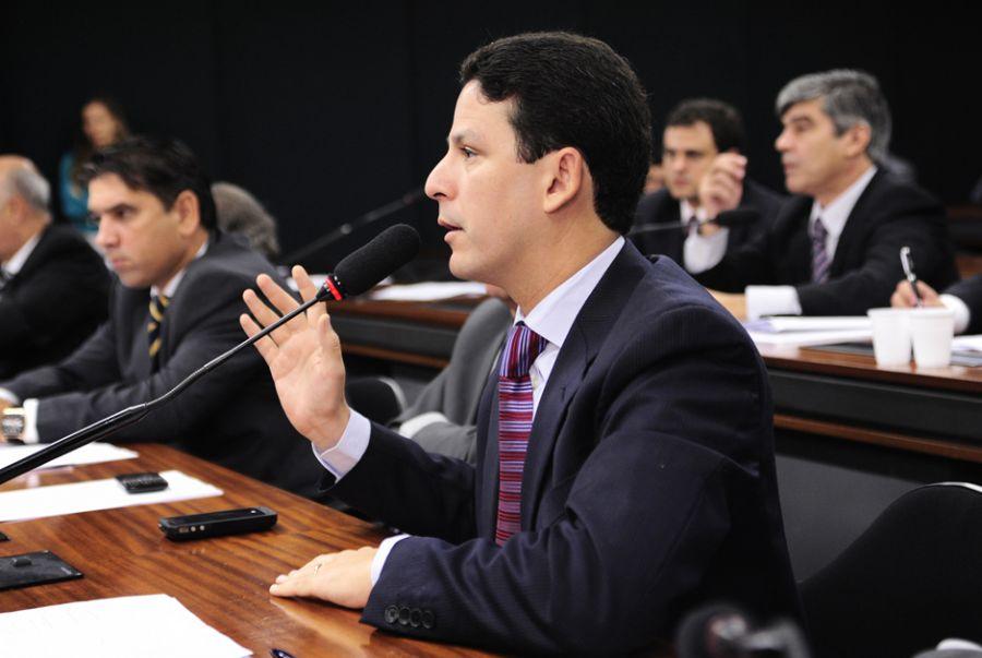 Ministro Bruno Araújo tem carta de demissão pronta