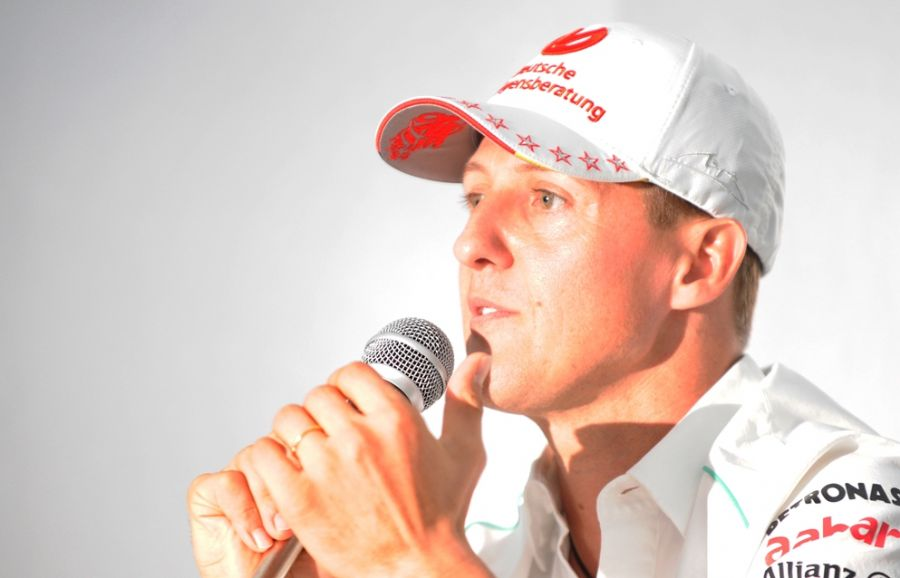 Ex-piloto Michael Schumacher sofreu um grave acidente enquanto esquiava em uma estação de esqui. / Toru Yamanaka/AFP