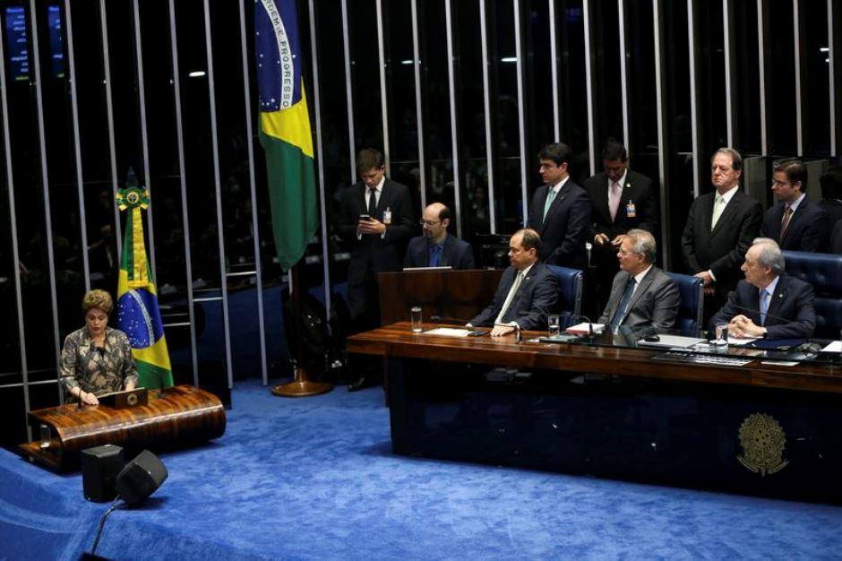 Dilma vai ao Senado para se defender
