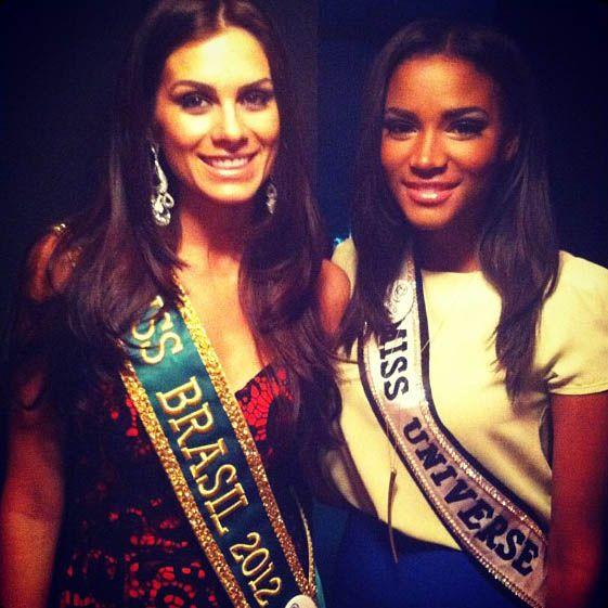 Gabriela Markus posa com Leila Lopes