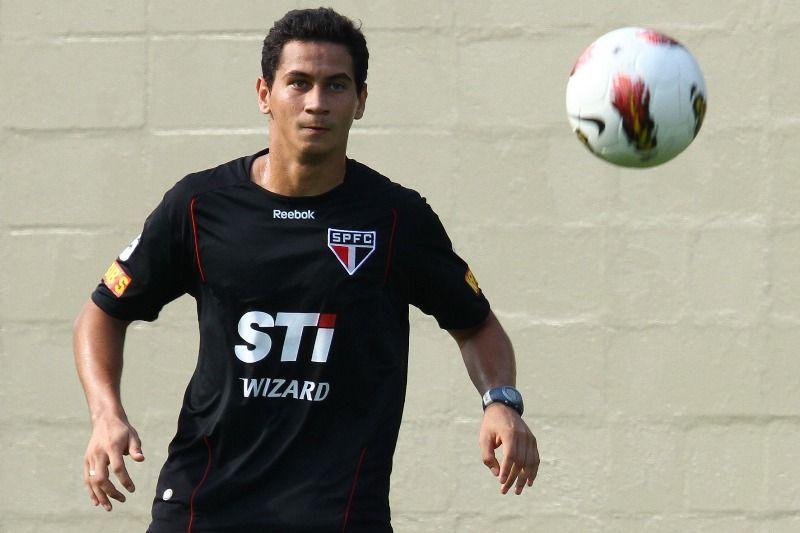 Ganso durante treino realizado nesta segunda-feira no CT da Barra Funda / Luiz Pires/VIPCOMM