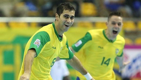 Gabriel e Rodrigo comemoram gols e a vitória esmagadora do Brasil contra Líbia / Divulgação/Site Fifa