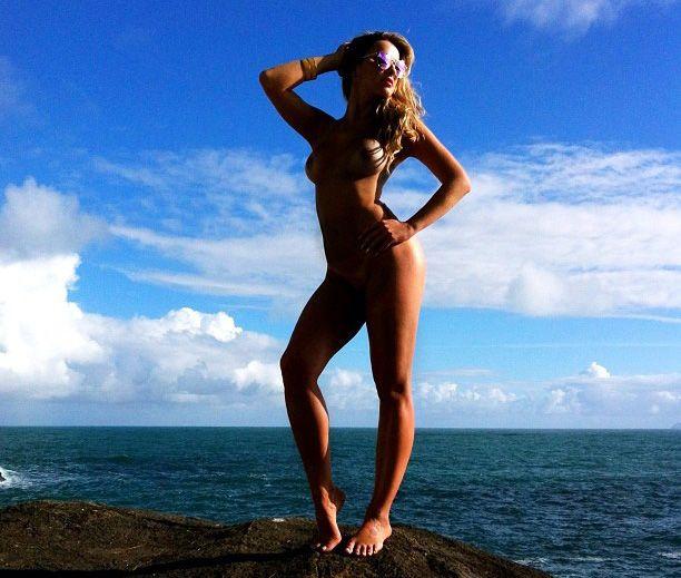 Karen Kounrouzan aparece completamente nua em nova foto / Divulgação/Instagram