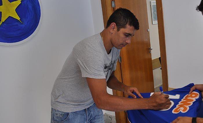 Diego Souza deve estrear pelo Cruzeiro no domingo / Divulgação/Cruzeiro