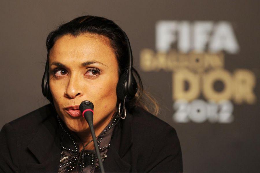 Mais uma vez indicada à Bola de Ouro, Marta é a estrela da Seleção feminina / Nelson Almeida/AFP