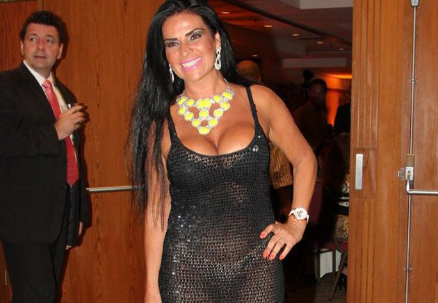 Solange Gomes abusa da transparência em noite de premiação / Alex Palarea/AgNews