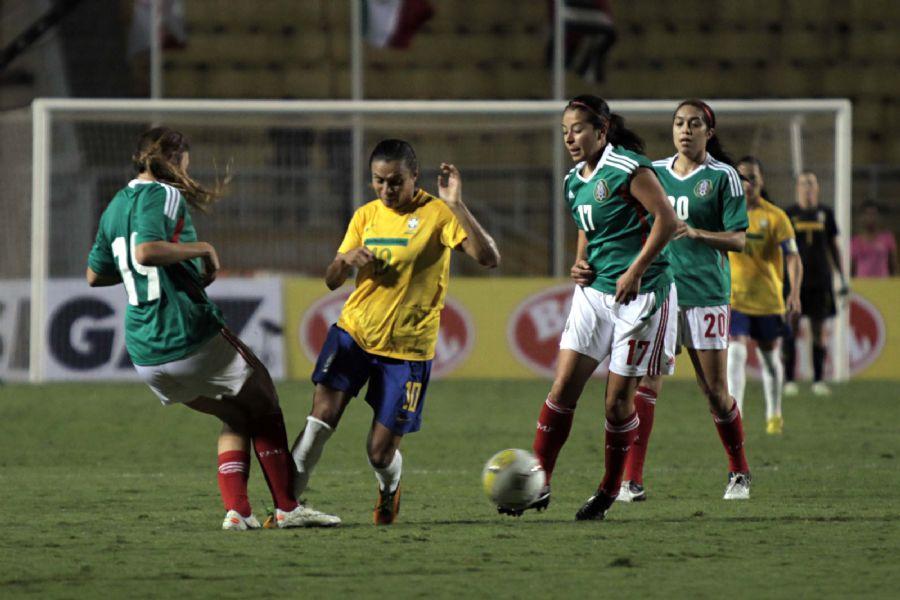 O México surpreendeu e venceu o Brasil, de Marta, nesta quinta-feira / Fernando Pilatos