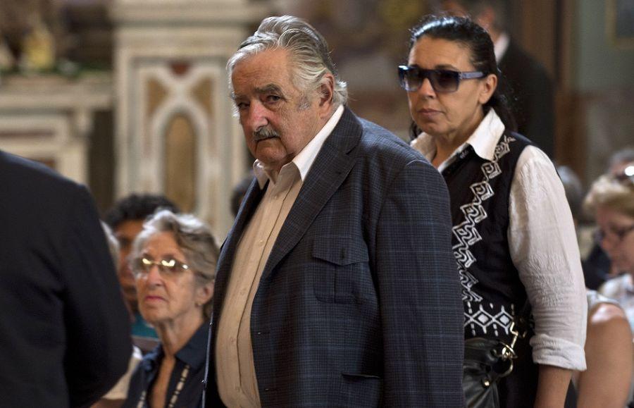 Mujica vem ao Brasil discutir tropas no Haiti - Notícias - Mundo - Band.com.br