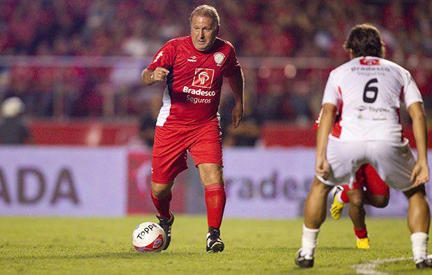 Zico perdeu dois gols feitos na partida