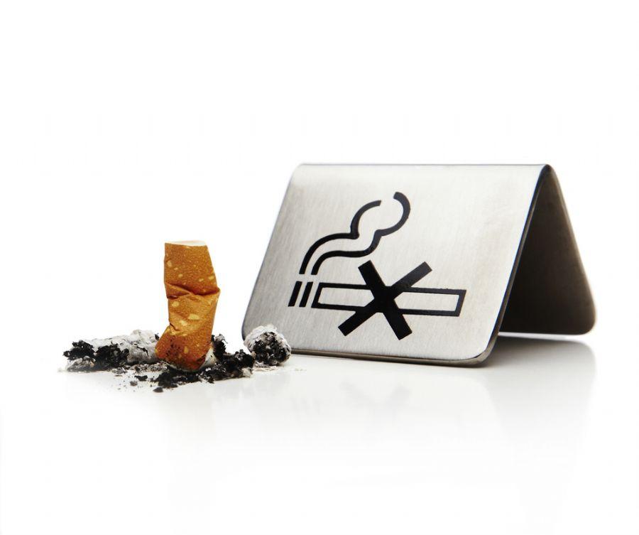 Cigarro é inimigo a ser batido pra muitas pessoas / Shutterstock