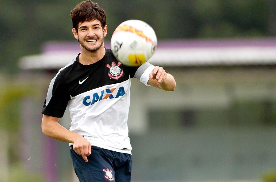 Alexandre Pato está bem fisicamente / Rodrigo Coca/Fotoarena/Folhapress