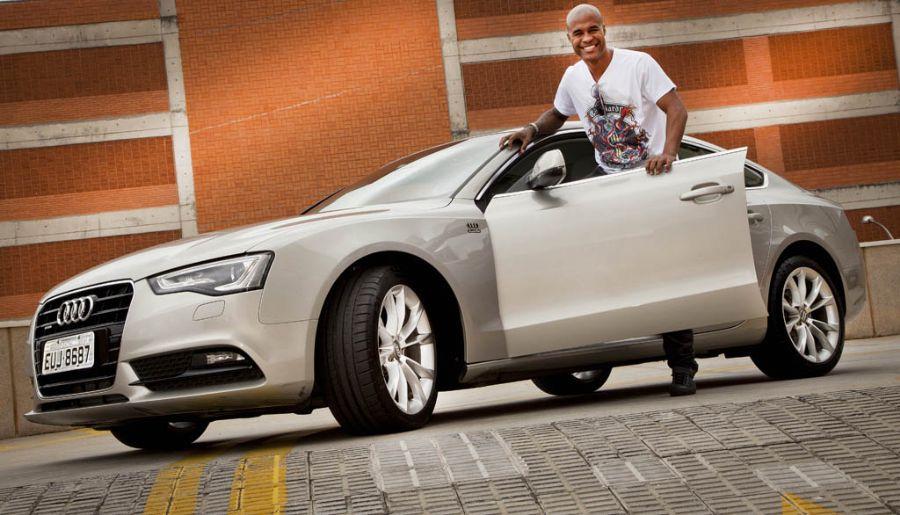 Marcos Assunção vai ficar com o novo carro por um mês / Divulgação